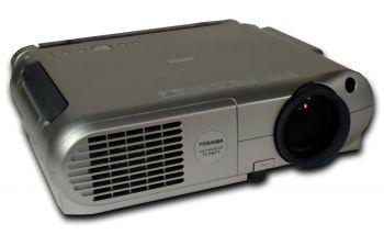 Toshiba TLP-671 Beamer